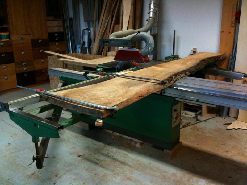 Onzichtbaar Ophangsysteem Voor Planken.Iepenhouten Boekenplanken Meubelmakerij Korthout